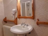 Il bagno attrezzato con il phon