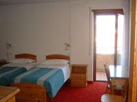 Betten Schlafzimmer aufgeteilt