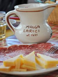 Salumi und Käse der Malga Larici di Sotto