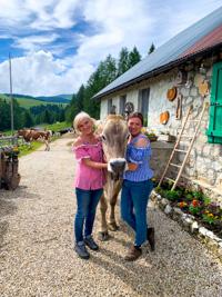 Sara, Lorella und ... die Kuh!