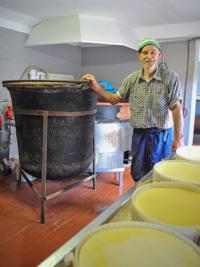 Die Herstellung von Käse in Malga Zebio