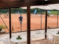 Vista sui campi da tennis dal bar