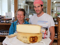 Asiago CHEESE DOP der Molkerei der Highlands und Vezzena