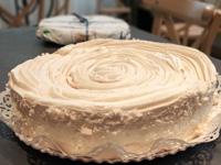 Carli Pastry Meringue Kuchen