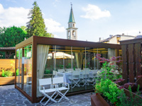 Verglaste Veranda im Hotel Sporting in Asiago