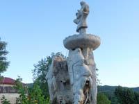 fontana caratteristica antistante il piazzale del ristorante pizzeria la quinta 2002