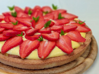 Sahnetorte mit Erdbeeren