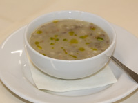 Bergsuppe mit Gerste, Dinkel und Hülsenfrüchte