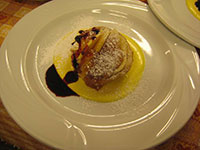 tortino con mele crema e frutti di bosco val formica