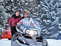 Due ragazze in motoslitta centro fondo campolongo