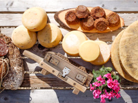 Cheeses and cured meats produced by Malga Larici Di Sotto