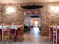 The cosy rooms of the Rifugio Campolongo restaurant