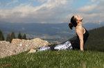 Blättern Sie durch die Jahreszeiten: Altar Knotto: Spaziergang mit Yoga bei Sonnenaufgang 16. Juli 2016