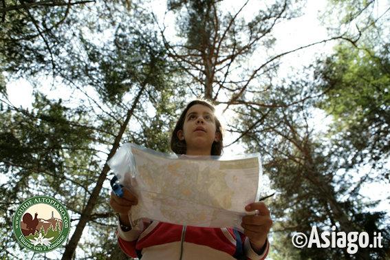 Gallio imparare ad usare mappa e bussola con guide for Baite ad asiago