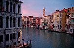 laguna di venezia con la gondola