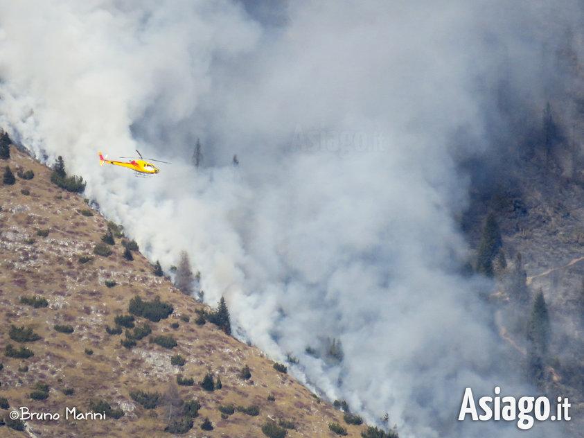 Incendio sul portule del 28 dicembre 2015 altopiano di asiago for Asiago dove dormire