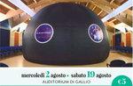 Schauen Sie sich die Planeten und die Sterne unter der Kuppel des Planetariums-Astronomie in Gallium-August 19, 2017