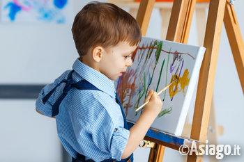 bambini pittura laboratorio creativo arte