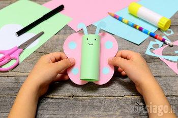 lavoretto creativo con carta