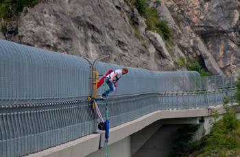 Bungee Jumping a Foza
