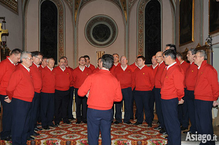 Concerto natalizio con il coro asiago mercoled 4 gennaio for Asiago dove dormire