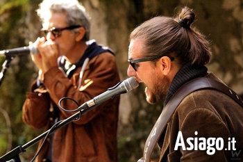 Nik Valente e Marco Pandolfi in concerto al Rifugio Campolongo