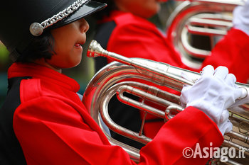 ragazza_marching_band