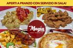 Pizza-Lieferung nach Hause und Takeaway-Service Und Asiago Magic Restaurant für Coronavirus Covid19 Notfall