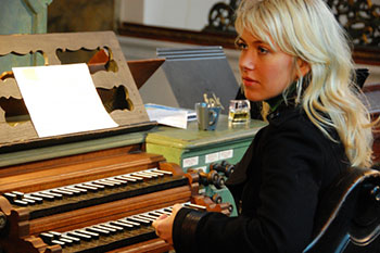 Katerina Chrobokova all'organo