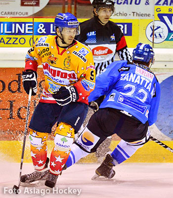 Partita di hockey su ghiaccio Asiago - Cortina