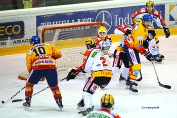 Hockey asiago vs Feldkirch - foto di David S Wassagruba