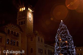 Albero Di Natale 8 Dicembre.Tradizionale Accensione Dell Albero Di Natale Ad Asiago Domenica 8