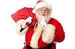 Santa Claus in der Altstadt in Asiago, 25. Dezember 2015 Freitag