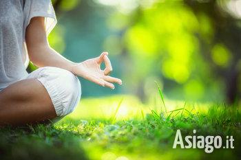 lezione di yoga a mezzaselva n1