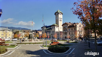 piazza asiago autunno