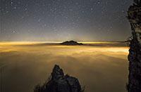 Nacht von San Lorenzo: 11 Wege und Orte für Sternenhimmel auf dem Altopiano di Asiago (Vicenza)