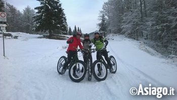 Notturna in fat bike sui percosi innevati del monte corno for Baita asiago capodanno