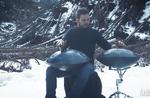 """""""Seelen der Harz""""-Video-Hommage an den Wald von der Hochebene von Asiago der Sitar-Spieler hängen Umberto G"""