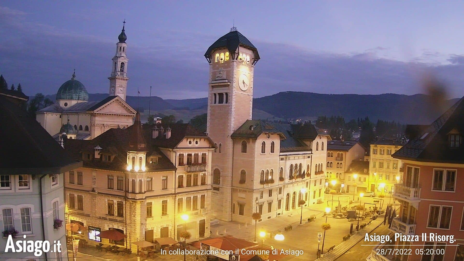 Live webcams on Piazza II Risorgimento in Asiago