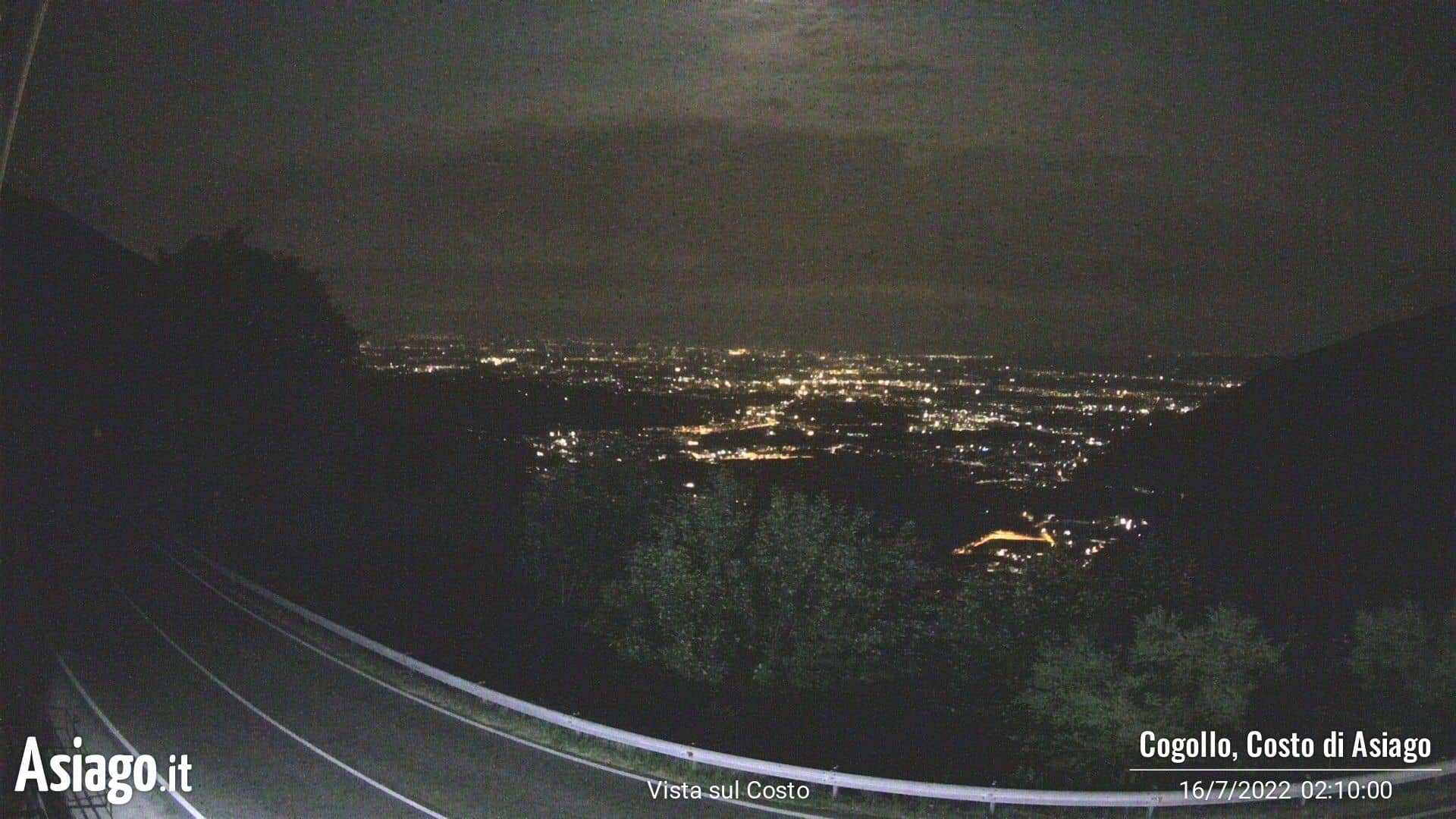 Live webcam of Asiago.It on the road of the cost