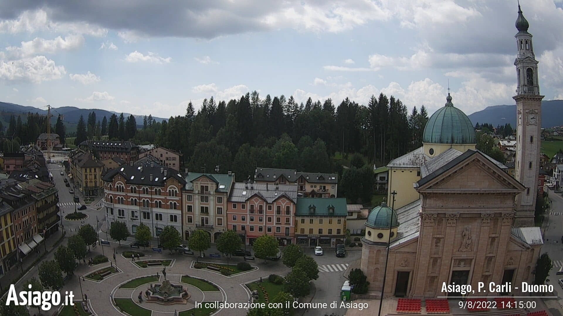 Live webcam on the Duomo and Piazza Carli di Asiago
