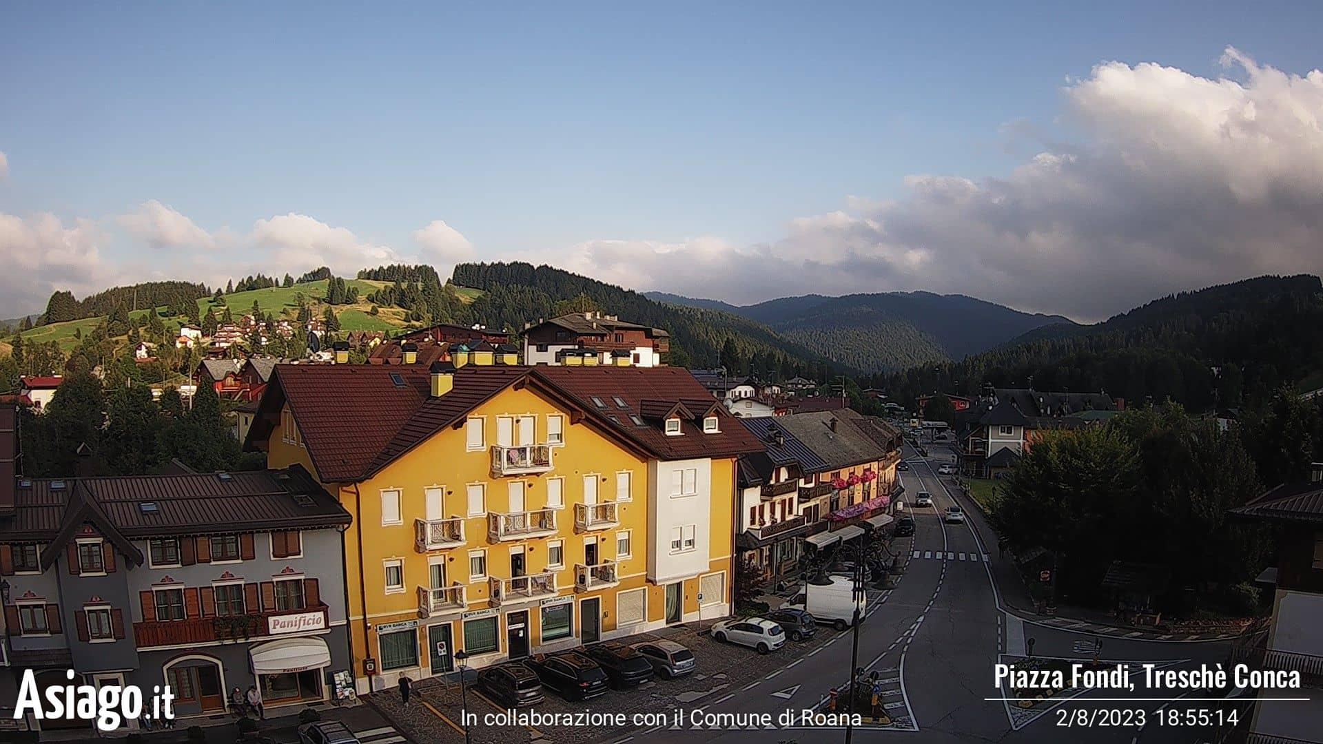 Webcam live su Piazza Fondi a Treschè Conca
