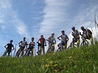 partecipanti escursione mtb associazione ottocentopercento