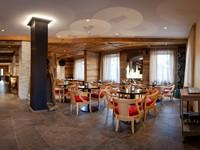 Il bar bistrot, la zona più eclettica dell'Asiago Sporting Hotel