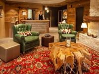 La reception accoglie gli ospiti in un ambiente caldo e dall'atmosfera avvolgente
