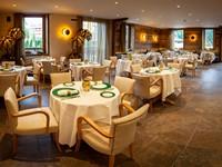 La sala elegante e raffinata del ristorante Casa Sporting