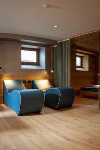 Comodi lettini relax all'interno dell'area Spa dell'Asiago Sporting Hotel