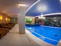 L'ampia zona con piscina al coperto dell'Asiago Sporting Hotel