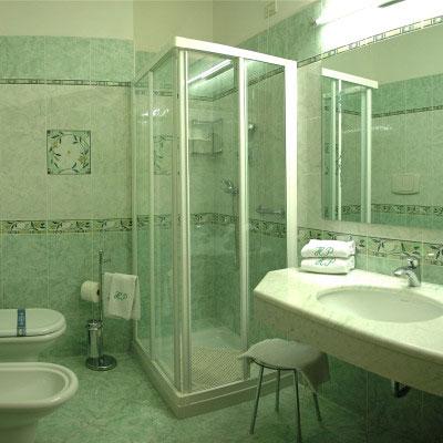 Hotel asiago gli alberghi dell 39 altopiano di asiago - Foto di bagni con doccia ...