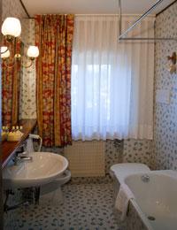 Il bagno di un appartamento dello Sporting Residence